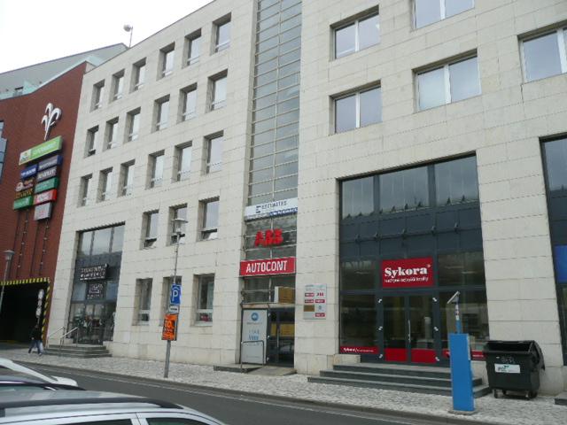 č. 1001:Pronájem nebytových prostor – Mírové náměstí, TepliceCena: 25 000 Kč / měsíc + energie
