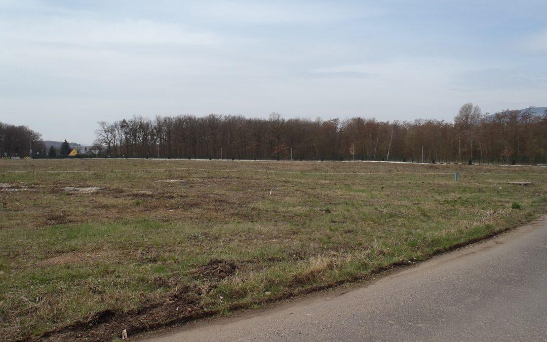 č. 1028:Prodej pozemku 40 000 m2 – Újezdeček, okres TepliceCena: 40 000 000 Kč